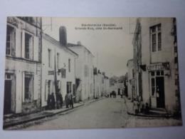 SAINTE HERMINE-Grande Rue, Coté St Hermand - Sainte Hermine