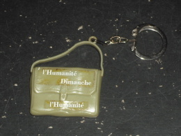 PORTE CLEFS L HUMANITE DIMANCHE - PRESSE JOURNAL JOURNALISME PARTI COMMUNISTE - - Porte-clefs