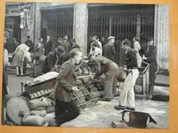 BARRICADE SOMMIER SACS DE SABLE LIBERATION DE PARIS GUERRE WW2 PHOTO DE PRESSE 24 X 18 Cm PHOTO PRESSE LIBERATION - Guerre, Militaire
