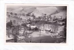 CPSM.  14 X 9  -  ST-CIRGUES-en-MONTAGNE  -  Vue Du Village Sous La Neige  -  Ski  -  Luge. - France
