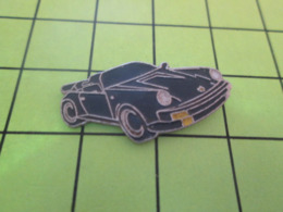 512c PINS PIN'S / Beau Et Rare : Thème AUTOMOBILES / PORSCHE NOIRE CABRIOLET DECAPOTABLE - Porsche