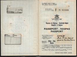 1953 - PASSEPORT CONGO BELGE - Léopolville - Pour Un Ressortissant Belge Et Son épouse - Documentos Históricos