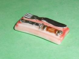 Fèves / Autres / Divers : Ustensile De Cuisine , Couvert     T83 - Fèves