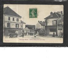 77-SAACY-sur-MARNE-Une Vue Animée Du Marché  Rue Du BAC - France
