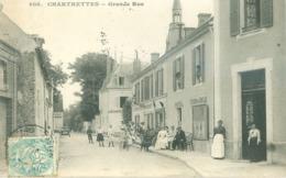 (77) Chartrettes : Grande Rue (animée) - France