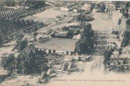 PERREGAUX -  LA GARE DE L'ETAT ( VUE PRISE PAR AVION ) ( CHEMIN DE FER ) - Autres Villes