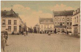 MOUSCRON - Marché Et Rue De Courtrai - Moeskroen