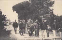 SAINT-MARTIN (Ile De Ré): Un Convoi De Forçats Arrivant De La Rochelle - Gevangenis