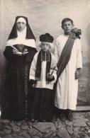 Religion - Catholicisme - Enfants Costumés En Curé & Religieuse - Carte Photo - Christianisme