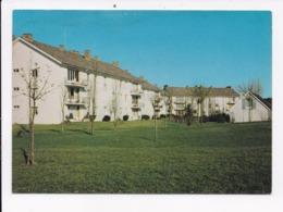 CP 78 LE MESNIL SAINT DENIS Un Coin De La Residence Du Chateau - Le Mesnil Saint Denis