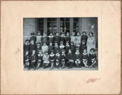 Grande Photo Originale Scolaire - Photo De Classe & école De Filles Vers 1920/30 à Identifier - Photo E. Chapuis - Personnes Anonymes