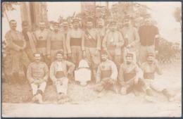 Carte Photo , Militaria , Groupe De Soldats à Meknès , Animée - Militaria
