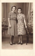 Femme Cpa Carte Photo Photographie 2 Femmes En Robe - Femmes