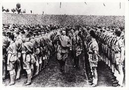 2792189Sept. 1935 Rijkspartijdag Neurenberg Hitler Inspecteert De Aangetreden Hitlerjeugd. (kopie Van Foto) - Guerra 1939-45