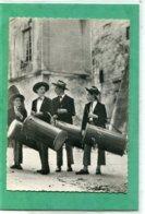 EN   PROVENCE  ,  Jeunes  Tambourinaires  .  Cpsm  10,5 X 15 - Provence-Alpes-Côte D'Azur