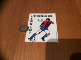 Ancien AUTOCOLLANT, Sticker «HEIDSIECK HENRIOT AS - SERIGRAMERFY» (football, Champagne) - Autocollants