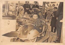 """0732 """"GIOSTRA PER BAMBINI CON AUTOMOBILINE- TORINO, P. VITTORIO VENETO - CARNEVALE 1957"""" ANIMATA. FOTOGRAFIA ORIGINALE - Persone Anonimi"""