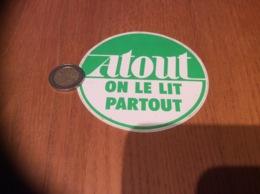 AUTOCOLLANT, Sticker «ATOUT ON LE LIT PARTOUT» - Autocollants