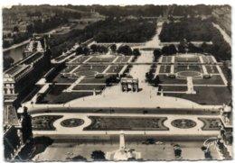 En Avion Sur Paris - Le Palais Du Louvre - Paris (01)