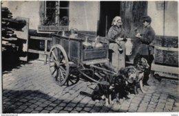 LAITIERE FLAMANDE ATTELAGE DE CHIENS - MILKSELLER WOMAN DOG CART - BELGIQUE BELGIUM - TIMBRE STAMP 1907 BRUXELLES - Marchés