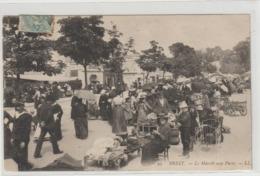 CPA  29 BREST LE MARCHE AUX PUCES - Brest