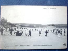 22 ,perros Guirec ,le Tennis Sur La Plage Du Trestraou - Perros-Guirec
