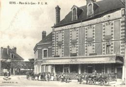 Carte Postale ANCIENNE  De  SENS - Place De La Gare - Sens
