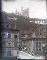 LYON En 1888 : Montée De La Brêche. Rue. Fourvière. Plaque De Verre. Négatif. Lire Descriptif. - Glasdias