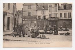 - CPA ISSOUDUN (36) - Place Du Marché Aux Légumes (belle Animation) - - Issoudun