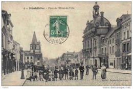 Carte Postale 80.  Montdidier  Place De L'hotel De Ville Trés  Beau Plan - Montdidier