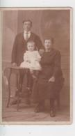 CARTE à IDENTIFIER - Photo De Famille  ( L . Duhameeuw Rue Du Temple, Ypres ) - A Identifier
