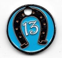 Jeton De Caddie  Bleu, Porte  Bonheur  13  Avec  Fer  à  Cheval - Jetons De Caddies