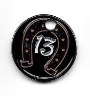 Jeton De Caddie  Noir, Porte  Bonheur  13  Avec  Fer  à  Cheval - Jetons De Caddies