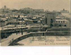 79 - Parthenay : Vue Prise Du Pont Neuf - Effet De Neige - Parthenay