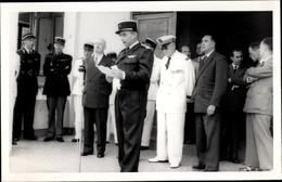 Photo Cp Réunion, Männer In Uniformen Und Anzügen - Sonstige