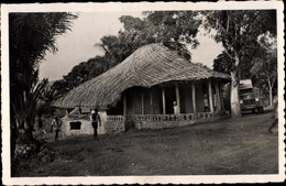 Cp Oubangui Zentralafrikansiche Republik, Une Case De Passage - Ansichtskarten