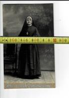 52025 - J MESSIAEN TOURNAI - Religieuse - VIEILLE PHOTO - Personnes Anonymes