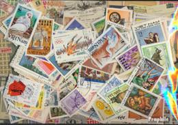 Vietnam Briefmarken-800 Verschiedene Marken - Vietnam