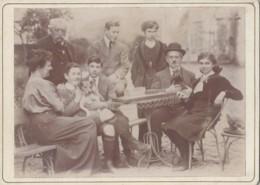 Photographie - Famille Cour Propriété - Chien Dindon - Femmes Mode - Jeux - Photographie Fin XIXème Siècle - Fotografía
