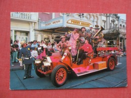 Disneyworld The Banjo Kings  Policeman  Firetruck Ref 3630 - Disneyworld