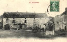 01 - Yonne - Anstrudes - Bierry-les-Belles-Fontaines - Les Deux Auberges Sur La Place - C 9359 - Frankrijk