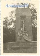 Campagne De France 1940 - Forêt De Compiègne (Oise) - Le Monument Aux Alsaciens-Lorrains (près Rethondes) - Guerra, Militares