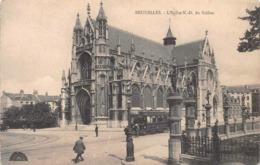 Bruxelles - L'église N.-D Du Sablon Et Le Tram Chocolat Nr 8 - Monumenti, Edifici
