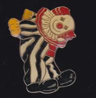 60056-Pin's. Clown.Cirque. . - Jeux