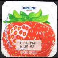 "Opercule Cover Yaourt Yogurt "" Danone "" Fruité Fraise Strawberry Erdbeere Yoghurt Yoghourt Yahourt Yogourt - Milk Tops (Milk Lids)"