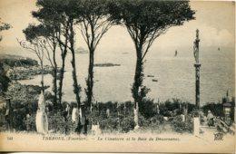 CPA - TREBOUL - LE CIMETIERE ET LA BAIE DE DOUARNENEZ (ETAT PARFAIT) - Tréboul
