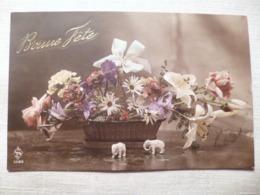 Cpa Fantaisie Elephant En Biscuit Bonne Fête Panier De Fleur Postcard Flower Carte Postale Ancienne Ancien - Éléphants