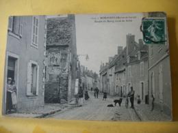 49 5796 CPA 1912 - 49 MORANNES. ENTREE DU BOURG ROUTE DE SABLE. ANIMATION. - Autres Communes