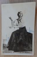 Atiste - Josephine Baker - Photo Carte - RARE - Dédicace / Autographe / Signée - Année: 1922 - Voir 3 Scans. - Artistes