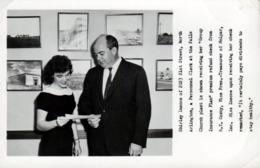 Photo Originale Shirley Inscoe Recevant Son Chèque De «régime D'assurance Collective» - Métiers